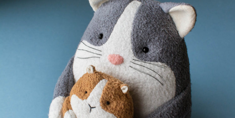 Free cat sewing pattern and free guinea pig sewing pattern by Fluffmonger